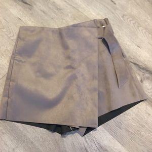 Pants - Suede feel skorts